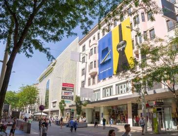 Fassadenwerbung Samsung Mariahilferstraße