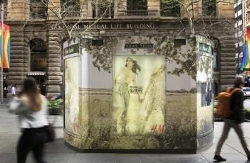 JCDecaux H&M Spring Kiosk Wrap