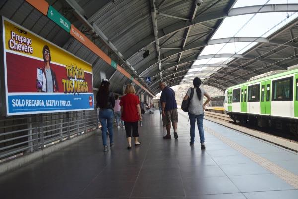 publicidad en el metro de Peru