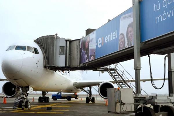 entel mangas brandeo publicidad aeropuerto