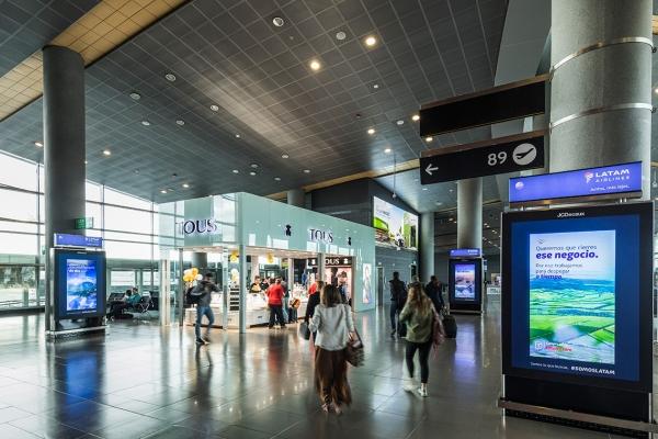 totems aeropuerto el dorado salidas nacionales