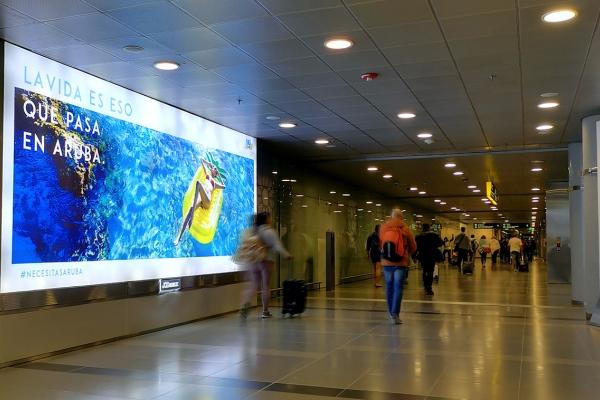 aeropuerto internacional el dorado caja de luz dominante