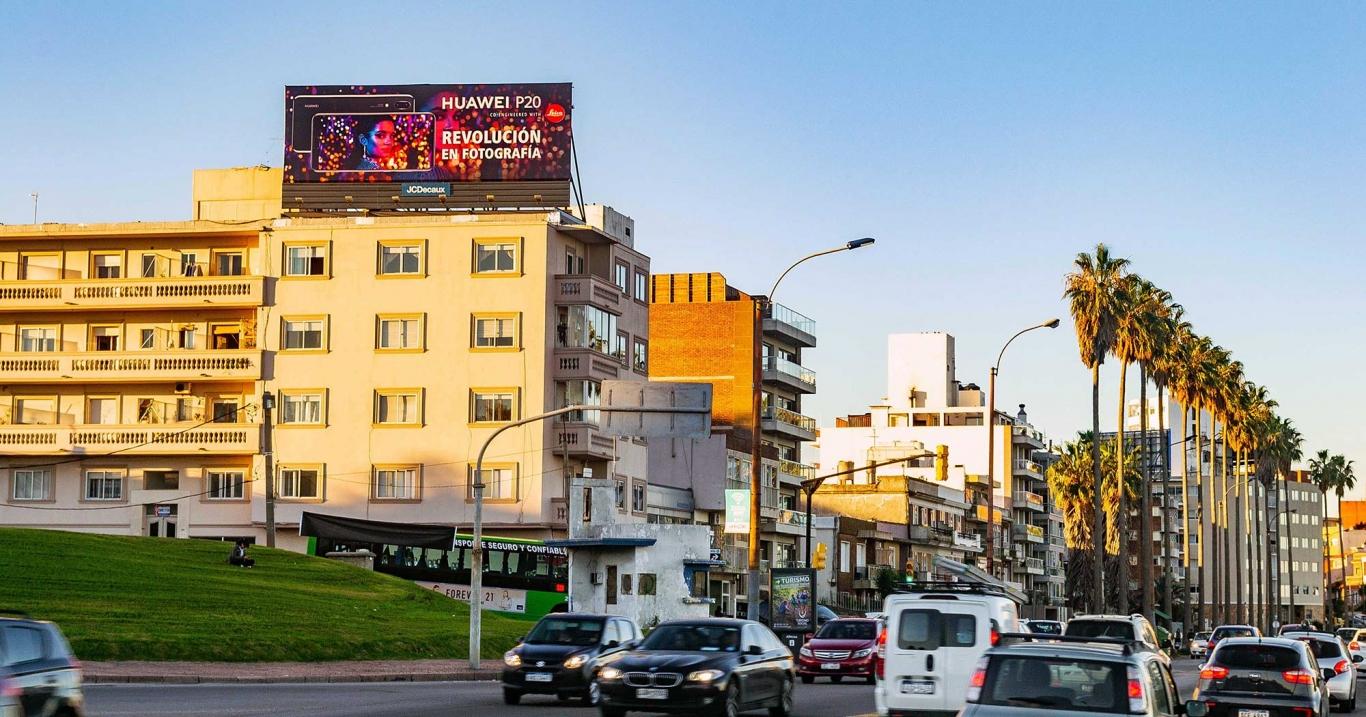 Montevideo con Gran Formato de JCDecaux
