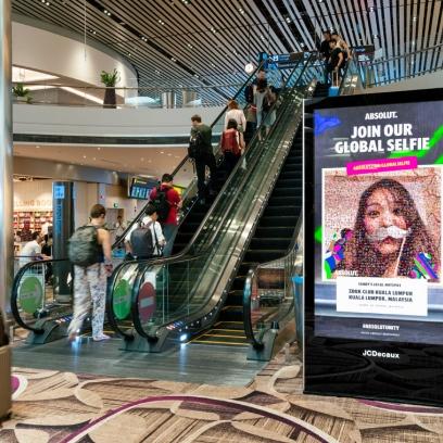 Publicidad en aeropuertos con contenido dinámico